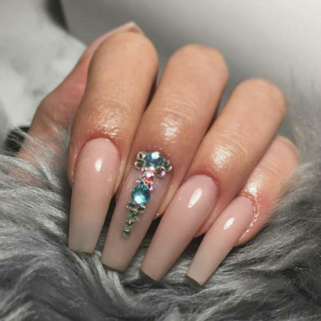 nail salon IA 52240